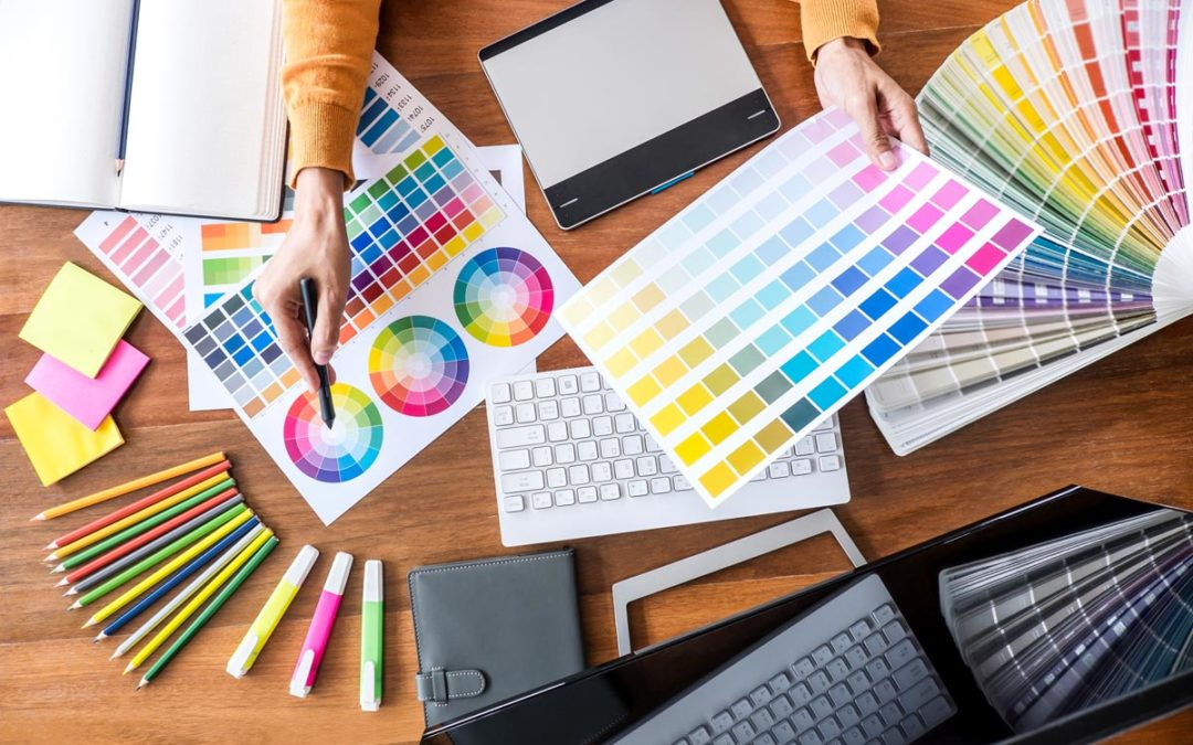5 Ways Your Company Can Benefit from Working with a Graphic Designer