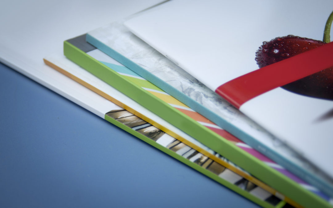 Using  Presentation Folders To Promote Your Brand and Encourage Organization