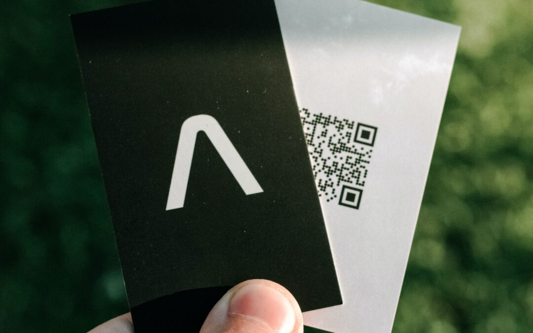 BUSINESS CARD DESIGN TRENDS TO SET YOU APART IN 2021